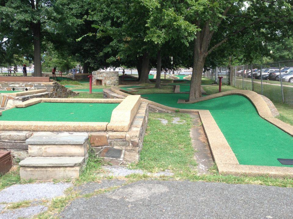 Mini golf not far from Tysons Corner