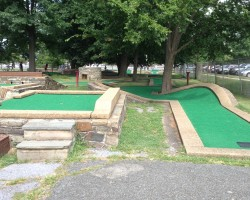 Mini golf not far from Tysons Corner