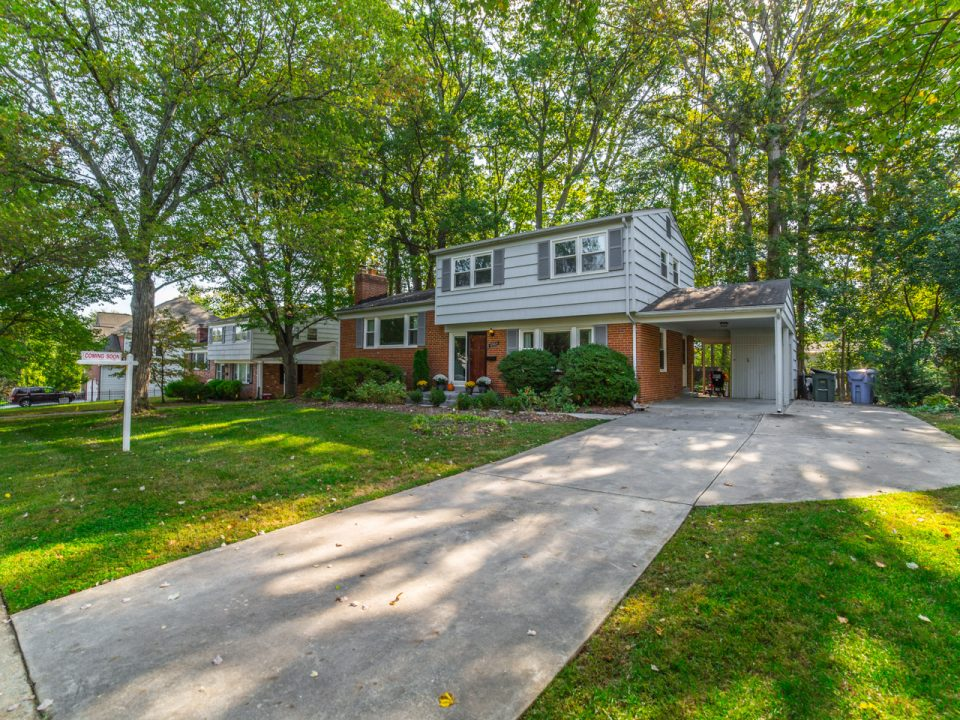 Well located in close proximity to Tysons Corner